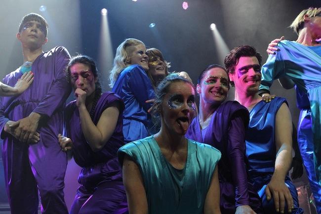 the-knife-shaking-habitual-show-review-toronto-Kool-Haus