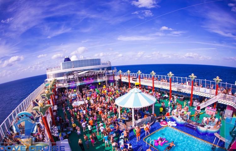 Groove-Cruise-Miami-Xi-Review-Pictures-Recap-Rabbits-Black
