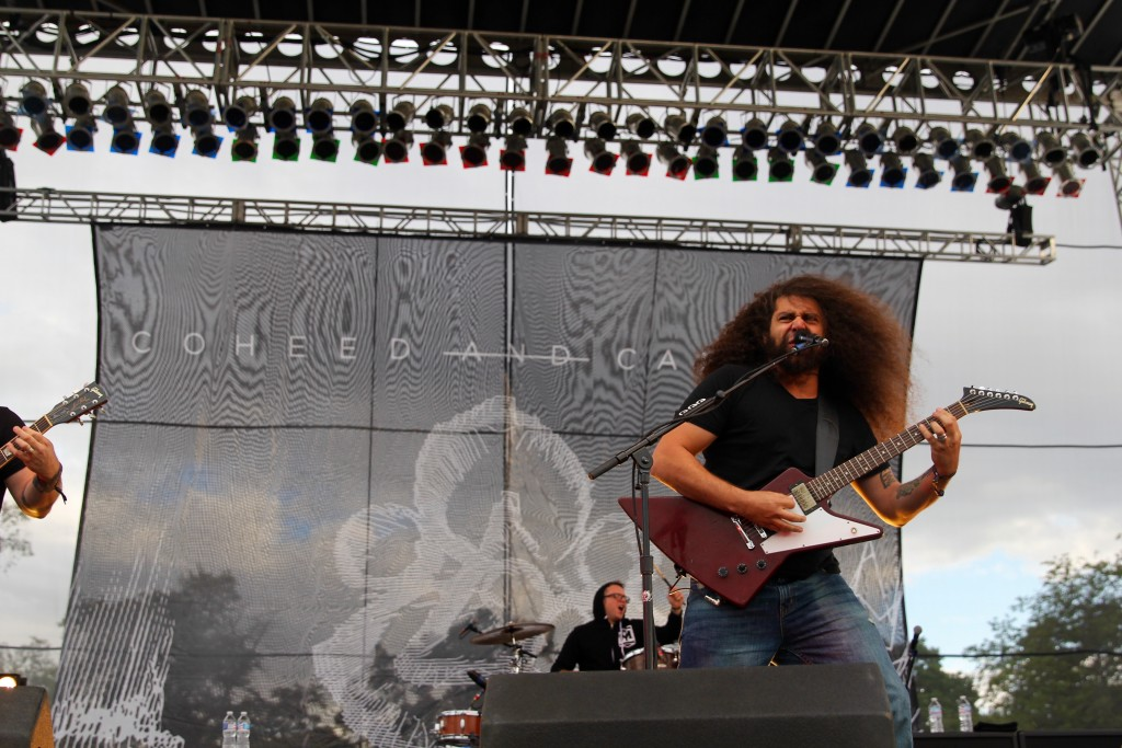 Claudio Sanchez Coheed and Cambria Guitarist Riot Fest Review Rabbits Black Chicago